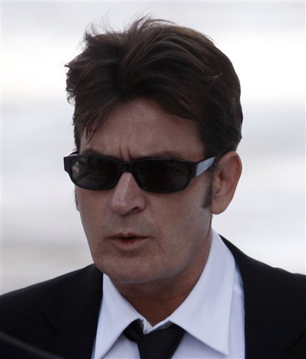 charlie sheen platoon. Charlie Sheen arrives at