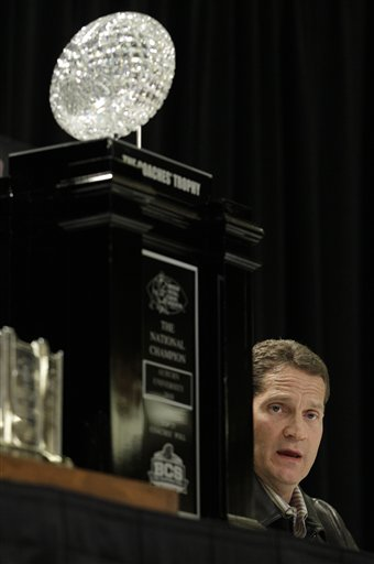 Auburn head coach Gene Chizik answers questions during a news conference after the BCS National Championship NCAA college football game Tuesday, Jan. 11, 2011, in Scottsdale, Ariz. Auburn beat Oregon 22-19 to capture the championship. (AP Photo/Charlie Riedel)