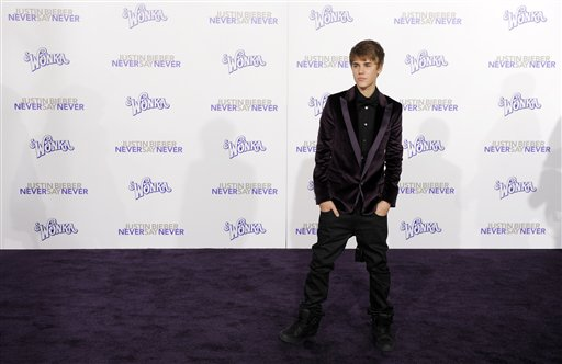 justin bieber never say never premiere los angeles. makeup Justin Bieber Never Say