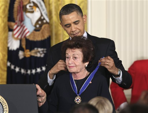 Obama lauds Medal of Freedom recipients
